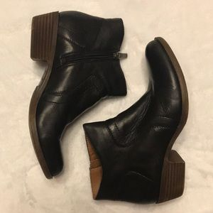 Lucky Brand Bootie, Black, Size 6.5